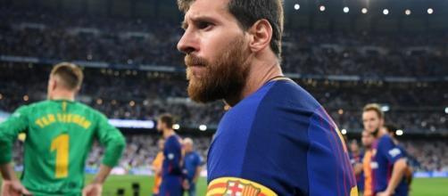 Lionel Messi n'a pas encore signé la prolongation de son contrat au FC Barcelone jusqu'en 2021 - bfmtv.com
