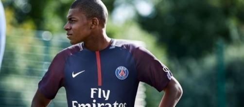 Mbappé a enfin signé au PSG au plus grand bonheur de tous ! La MCN est née !