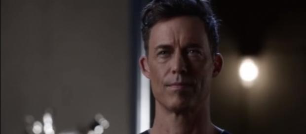 "Earth 2 Harrison Wells returns in ""The Flash"" season 4. [Image via YouTube/Flash Rahbbit]"