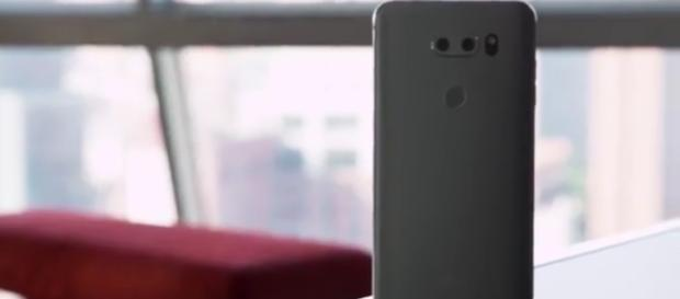 LG is focusing more on design. [Image via YouTube/The Verge]