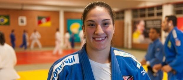 Judoca brasileira Mayara Aguiar vence Mundial e se torna bicampeã