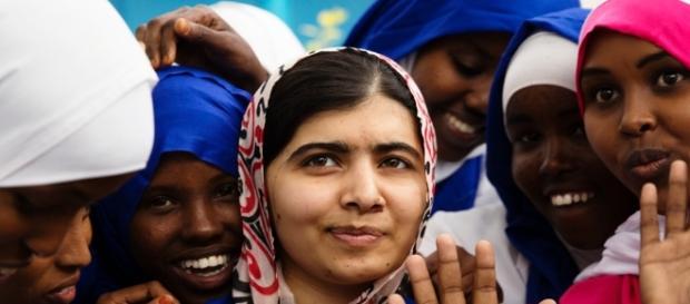 La Malala Fund fue fundada por Malala junto a su padre en el año 2013, después de que esta sobreviviera un intento de asesinato.