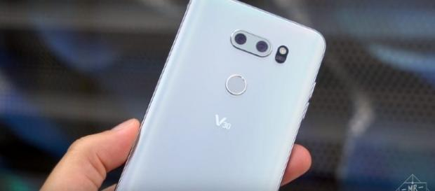 LG V30's amazing features could surpass the Note 8 or the upcoming iPhone 8 - YouTube/MrMobile [Michael Fisher]