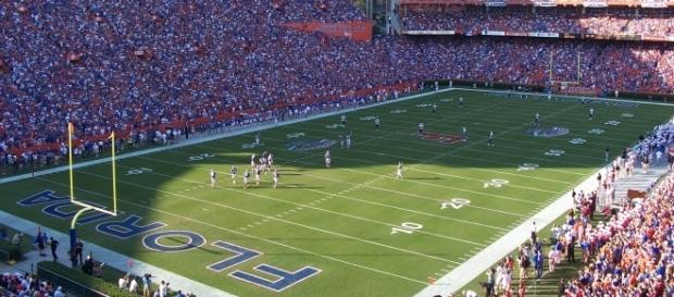 Michigan and Florida meet up in Week 1 of the NCAA football season. [Image via Wiki Commons]