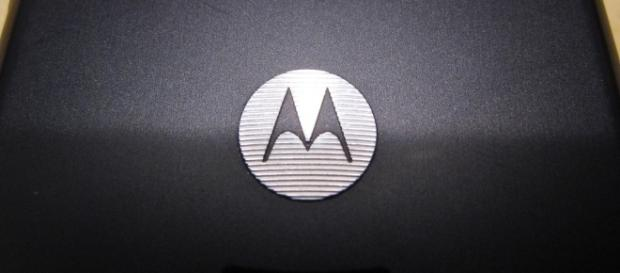 Motorola shows off ShatterShield technology of Moto Z2 Force in YouTube video / Photo via Titanas, Flickr
