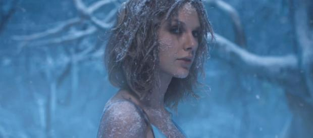 Taylor Swift in 'Out Of The Woods.' (image source: YouTube/TaylorSwiftVEVO)