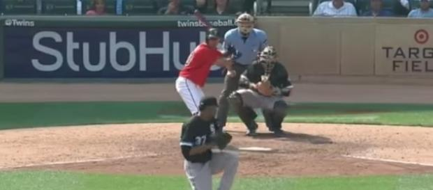 The Minnesota Twins rallied in the ninth inning to tie and ultimately win the game over Chicago. [Image via MLB/YouTube]