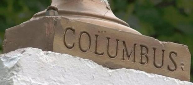 Usa, guerra delle statue: sarà abbattuto busto di Colombo a New York
