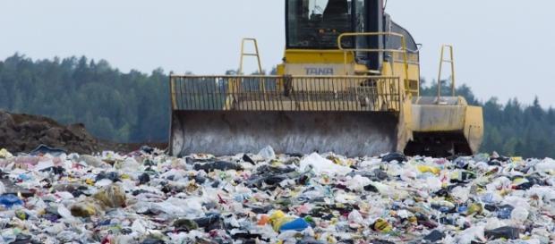 Waste management. Image via Pixabay.