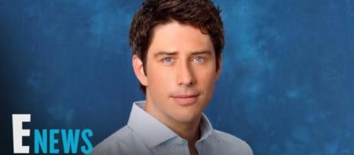 Arie Luyendek is the next Bachelor of the ABC franchise. Image credit - YouTube/E! News.