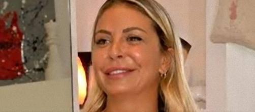 Sabrina Ghio di Uomini e Donne ammette il ritocchino alle labbra.