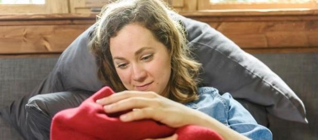 Tempesta d'amore Tina E tom durante il parto nella baita