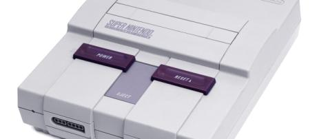 SNES Mini Author Evan-Amos Provided by Wikimedia: https://commons.wikimedia.org/wiki/File:SNES-Mod1-Console-Set.jpg