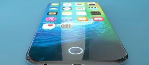 Praticamente sem bordas laterais, o Iphone X tem recurso de impressão digital removido