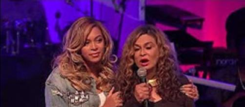 Beyoncé and her mom, Tina Knowles, speak from their hearts at St. John's Church in Houston. Screencap Gabriel/YouTube
