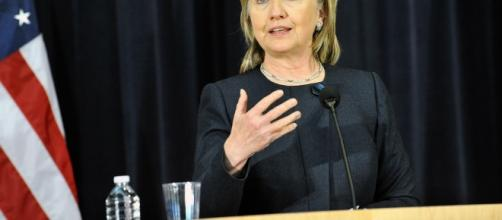 Clinton argues that Putin wanted her to lose in the US elections [Image via YouTube: U.S. Department of State]