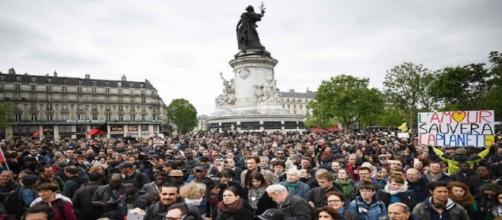Emmanuel Macron face à ses premières manifestations