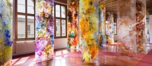 Evocative Surfaces, la splendida mostra di Beverly Barkat a Palazzo Grimani