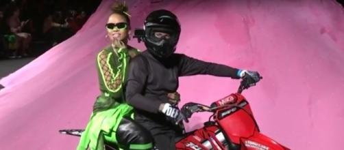 Rihanna and her line marks the end of NYFW. Image[Associated Press-YouTube]