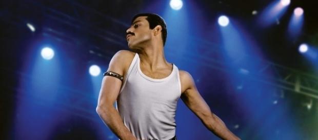 Bohemian Rhapsody: Rami Malek nei panni di Freddie Mercury canta e ... - nerdmovieproductions.it