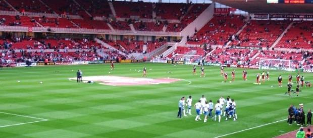 Chelsea playing a match against Middlesbrough. - https://ccsearch.creativecommons.org/image/detail/AcnzZLZiF1YjsO_OVP5KBA==