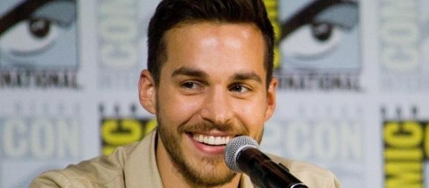 Chris Wood at SDCC. [Image via Supergirl/Wikimedia Commons]