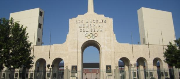 LA Memorial Coliseum - Wikimedia Commons