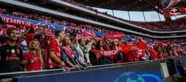 O Estádio da Luz apadrinha a estreia do Benfica na Liga dos Campeões 2017/18