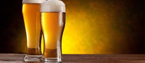 Alguns benefícios físicos e mentais podem ser obtidos ao ingerir cerveja