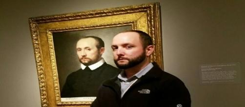 Ao visitar Museu, homem percebe pintura de pessoa igual a ele (Davidurbon/Imgur)