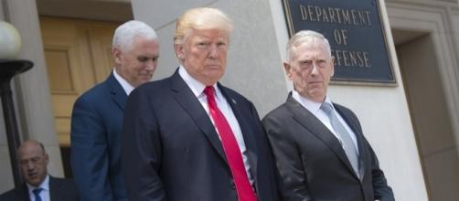 Defense Secretary Jim Mattis, President Trump and Vice Pres. Pence at the Pentagon.(DOD photo by Navy Petty Off. 2nd Class Dominique A. Pineiro)