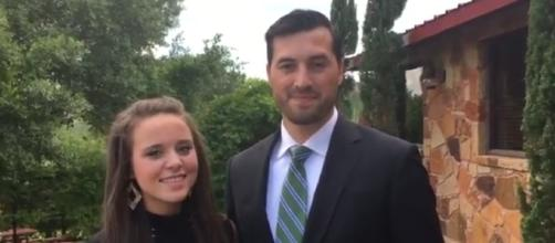 Jinger Duggar shares the pumpkin muffin recipe that Jeremy Vuolo loves./Pictured via Duggar Family, YouTube