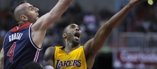 Kobe Bryant against the Washington Wizards (c) https://www.flickr.com/photos/keithallison/15755732978