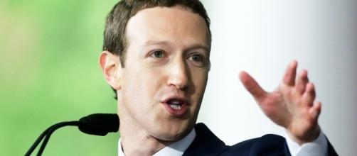 Mark Zuckerberg durante un discorso all'Università di Harvard.