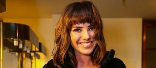 Natallia Rodrigues se irrita com ligação de produtor