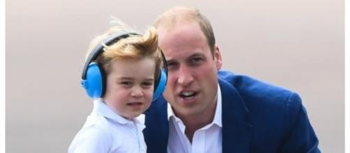 Perché il principe William si inginocchia per parlare col figlio - Huffingtonpost