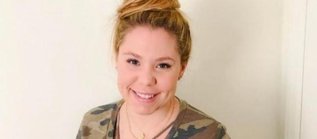 Kailyn Lowry poses in a camouflage T-shirt. [Photo via Instagram]