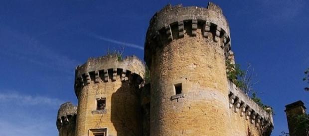 Un'associazione ha lanciato un crowdfunding per salvare un castello