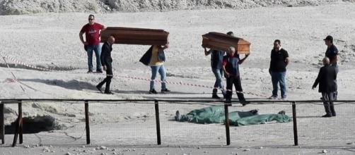 Casal morreu junto com o filho após cair em cratera de vulcão italiano (Crédito: Flynet/SplashNews)