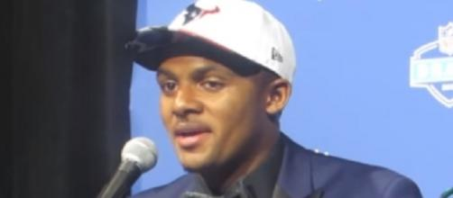 Deshaun Watson worked with first-team offensive line during practice -- Mike Ashmore via YouTube
