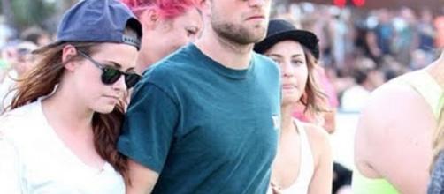 Kristen Stewart, Robert Pattinson - Image via YouTube/Hollywood Life