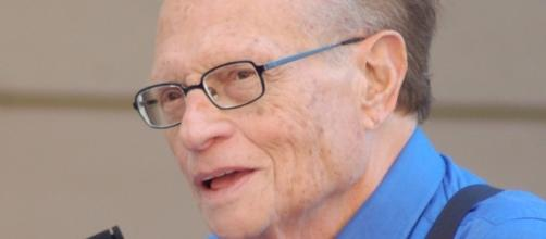 Larry King reveals having lung cancer surgery over the summer. Photo Credit: Wikimedia Commons