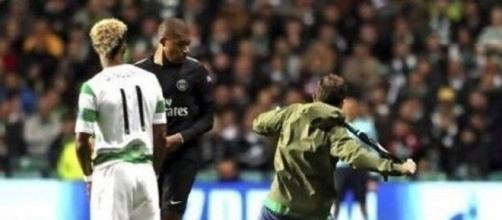 MBappé a évité le supporter du Celtic Glasgow qui voulait le frapper - Photo : Maxifoot.fr