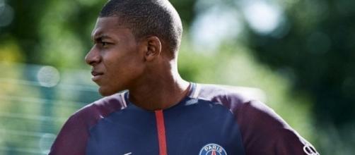 Mbappe joins Neymar at PSG - FOX Sports Asia - foxsportsasia.com