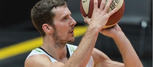 Miami Heat guard Goran Dragic leads Slovenia over Latvia - Ailulah via Wikimedia Commons