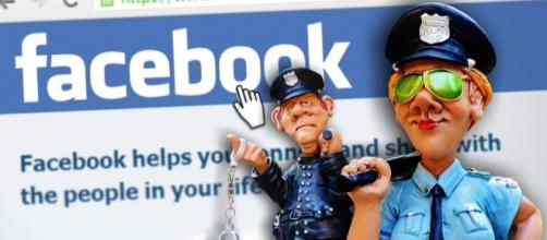 Officers ready to make an arrest over Facebook-Russian ads. / [Image by Alexas Fotos via Pixabay, CC BY 0.0]