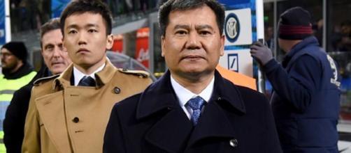 Zhang Jindong (proprietario di Suning Holdings Group) con il figlio Steven Zhang. Foto da: calciomercato.com
