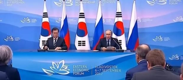 Presidents Moon Lae-in (S.Korea) Vladimir Putin (Russia) Sept. 7 / [Screenshot from Arirang News via YouTube:https://youtu.be/2KChVxjaaXo]