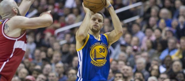 Stephen Curry comments about Under Armour (Image Credit - Keith Allison/Wikimedia)