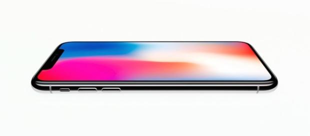 The iPhone X (via YouTube - Apple Brasil)